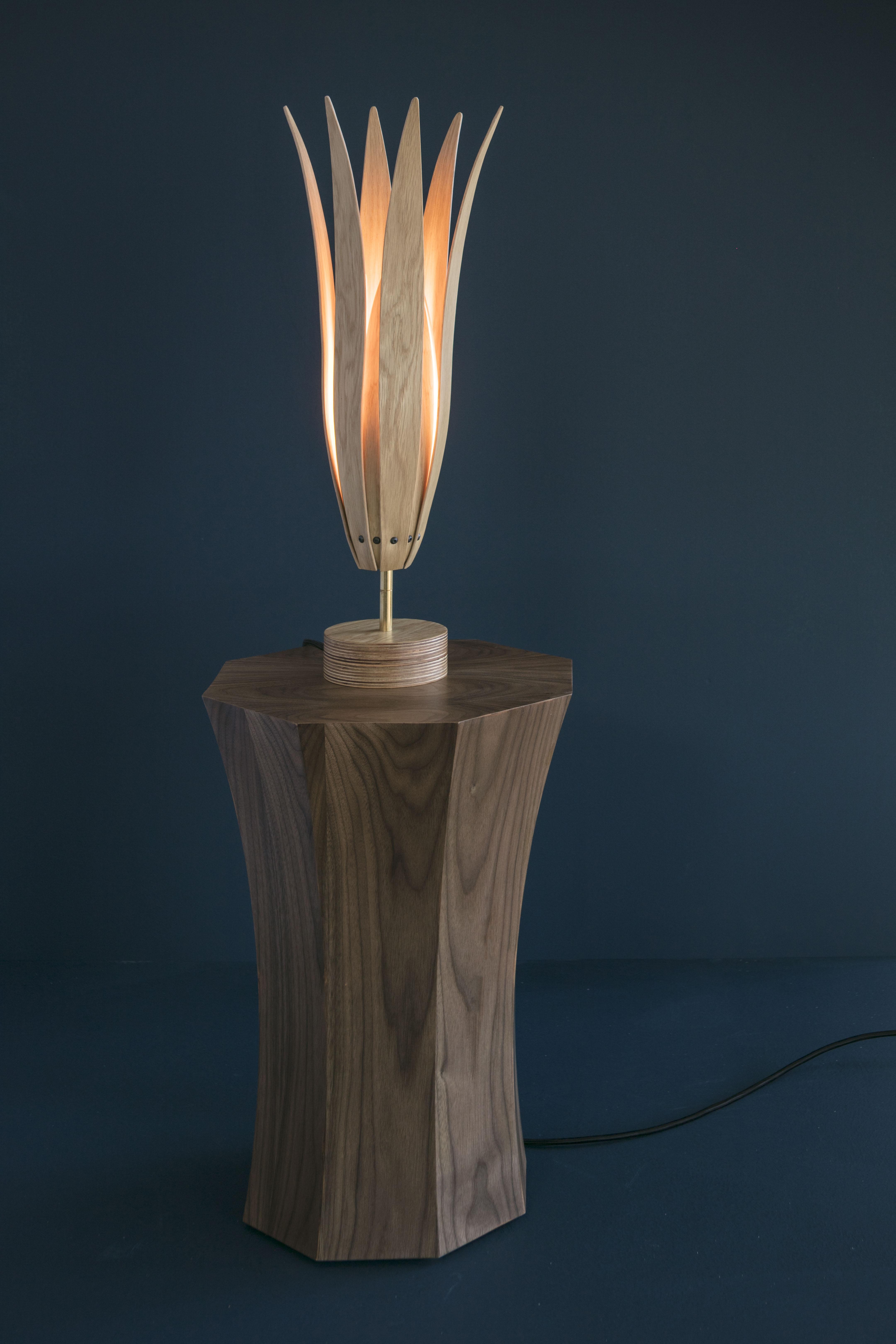 Fuchsia Table Light